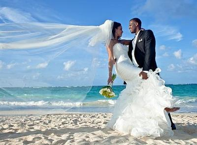 Dominican woman with groom